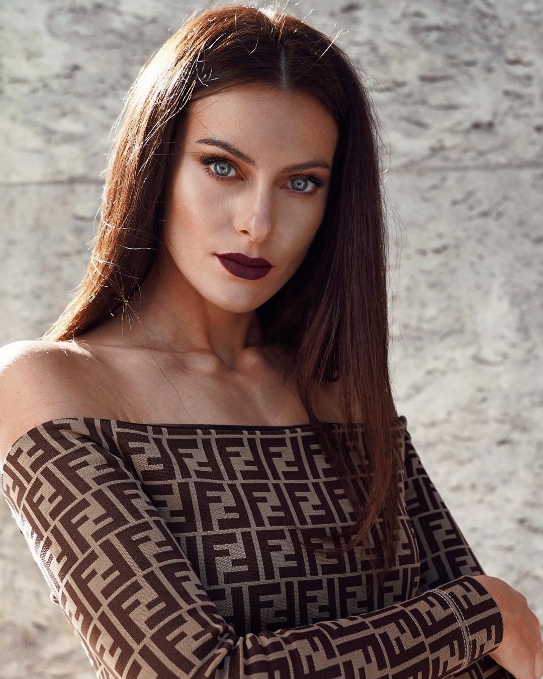 Paola Turani's Make Up