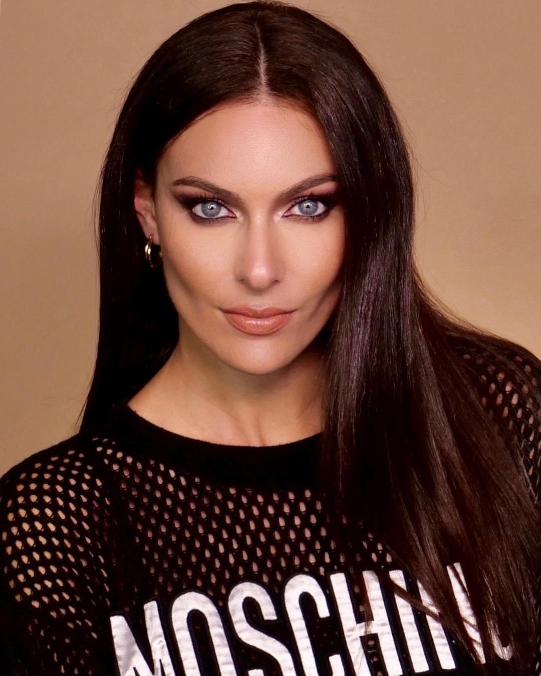 Paola Turani per Nabla Cosmetics