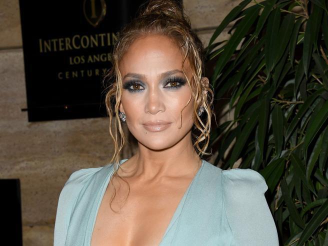 Jennifer Lopez Smoky Eyes